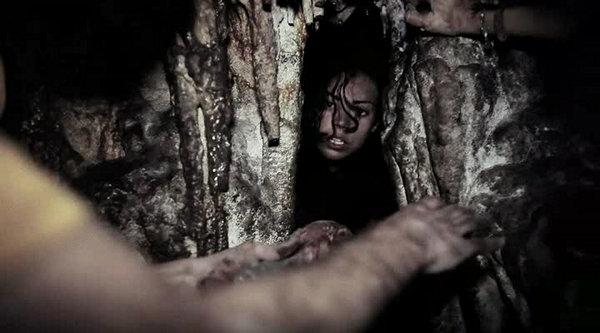 Pelicula de terror La Cueva 2014