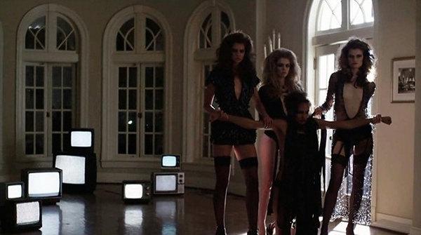 Pelicula de terror VHS Viral 2014