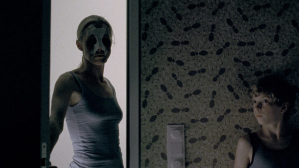 Pelicula Goodnight Mommy 2015