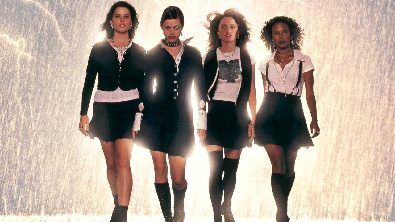 Se viene un remake de The Craft Jovenes Brujas de 1996