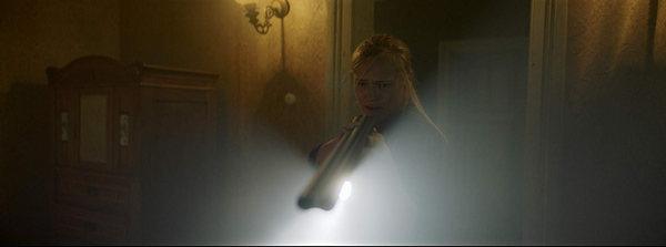 dark light pelicula de terror 2019 2