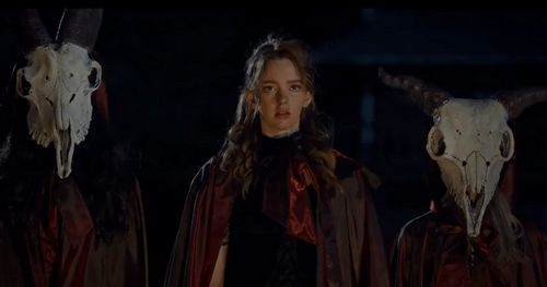 The Pale Door nos propone un western horror con brujas prostitutas