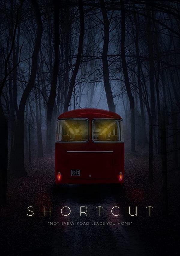 Una criatura horrible asalta un autobús en Shortcut Trailer 2