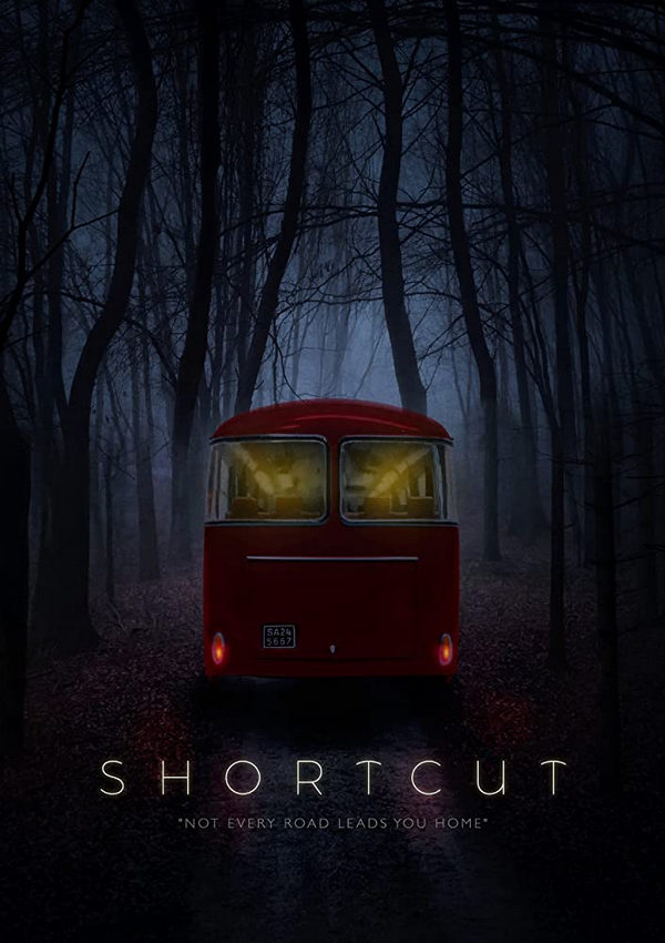 Una criatura horrible asalta un autobús en Shortcut Trailer 2